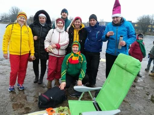 Pirmąją metų dieną - ledinės maudynės ir Šiauliuose
