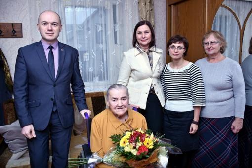 Pasveikino šimtametę Vladislavą Lakavičienę