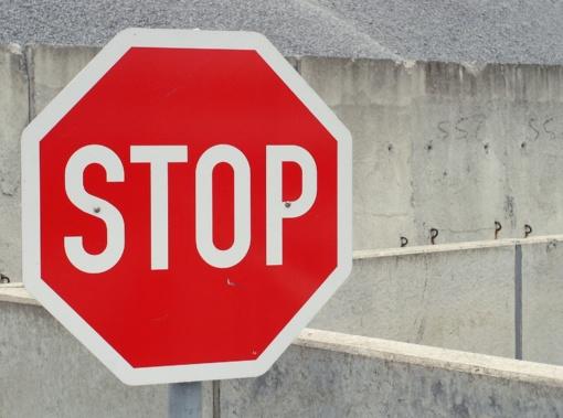 Akmenės rajone motociklu važiavęs vyras apvirto