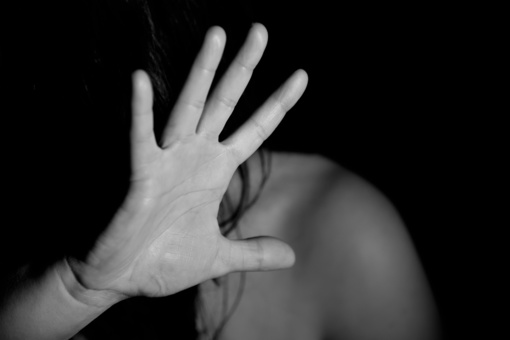 Raseiniuose neblaivus vyras smurtavo prieš neblaivią žmoną