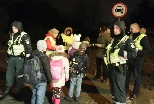 """Plungės rajone startavo akcija """"Saugus, kai matomas!"""""""
