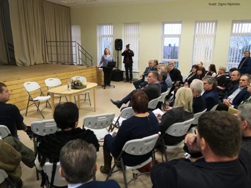 Tarybos nariams pristatyti įvykdyti ir vykdomi investiciniai projektai Šiaulių rajone