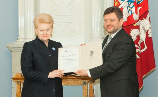 Prezidentei - garbingas Baltijos Asamblėjos apdovanojimas