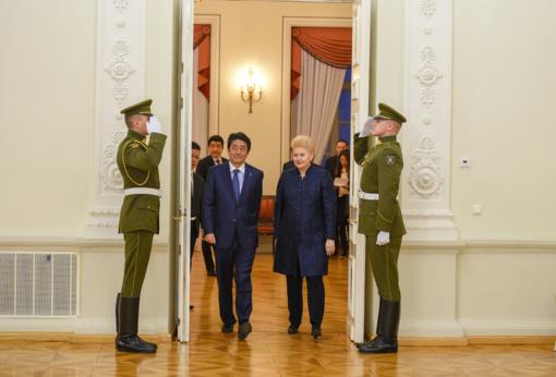 Lietuva remia Japoniją dėl Šiaurės Korėjos ir tikisi glaudesnio bendradarbiavimo