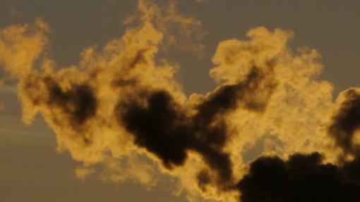 Ugniagesiai neapsieina be anoniminių pranešimų apie garažuose rūkstančius dūmtraukius