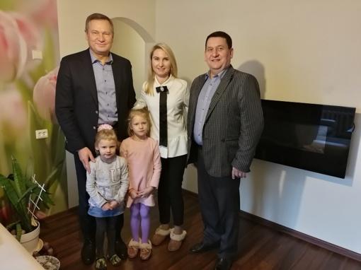 Šiltas vadovų vizitas rajono vaikus globojančioje šeimoje