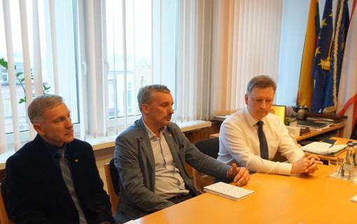 """Plungės """"Rotary"""" klubas ir Plungės rajono savivaldybės vadovai susitiko aptarti bendros programos"""