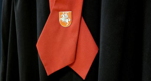Sugriežtintas nuosprendis vogtus drabužius iš Norvegijos į Lietuvą parsigabenusiai trijulei
