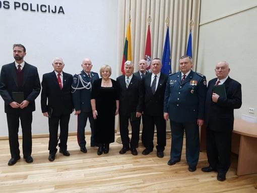 Apdovanoti 1991-aisiais Seimą gynę policijos veteranai