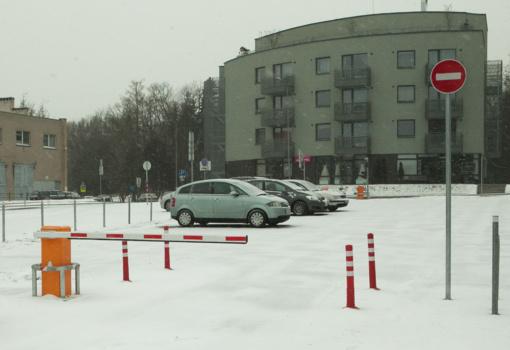 """Vilniuje planuojama plėsti vairuotojų kol kas nesudominusias """"Statyk ir važiuok"""" aikšteles"""