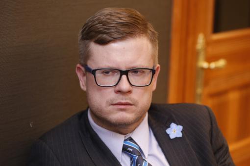 """Gynybos ekspertas: estai užsienio politikoje nuoseklūs ir ramūs, o lietuviai - mėgsta  """"dramą"""""""