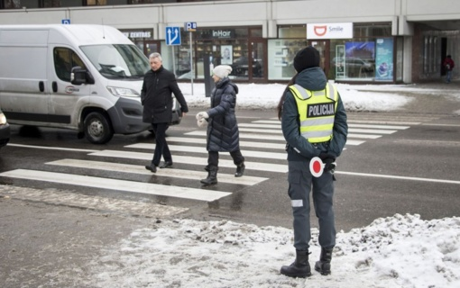 Policijos pareigūnai saugojo pėsčiuosius būtent jiems skirta prevencijos priemone
