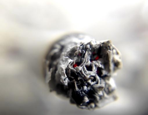 Prienuose, kaip manoma, rūkydamas lovoje žuvo vyras