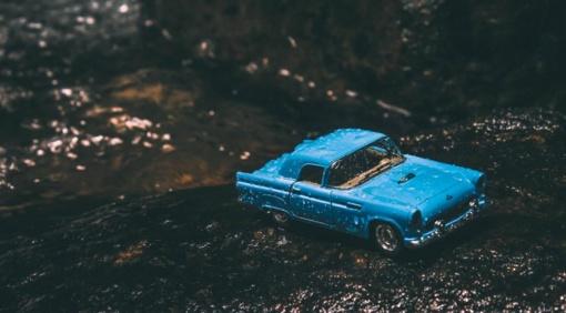 Drėgmė automobilio salone – ką būtina žinoti