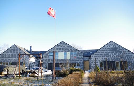 Gaisrą išgyvenusi Šv. Teresės šeimyna jau džiaugiasi nauju būstu