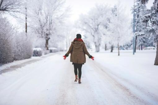 Orai bus žiemiškesni: atšals, vėl snigs