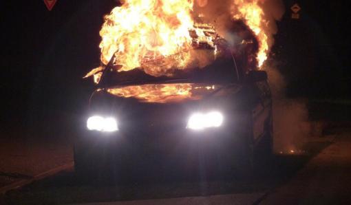 Vilniuje apdegė trys automobiliai, įtariamas padegimas