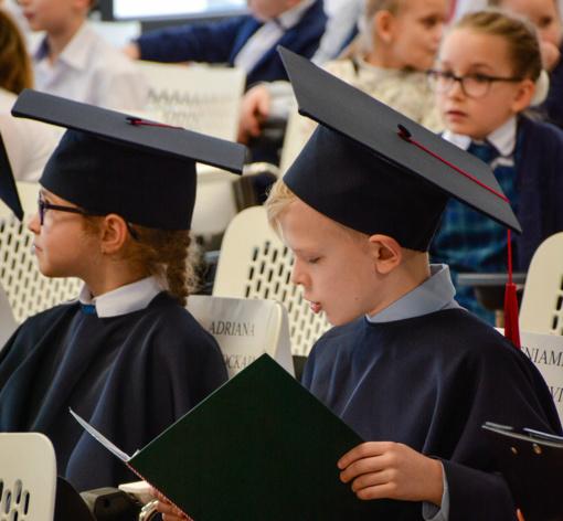 Vilniuje atidarytas tarptautinis vaikų universitetas: į pirmą sesiją susirinko 120 pradinukų