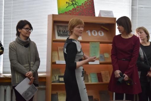 Dovana Lietuvai nuo Daujėnų kaimo bibliotekos