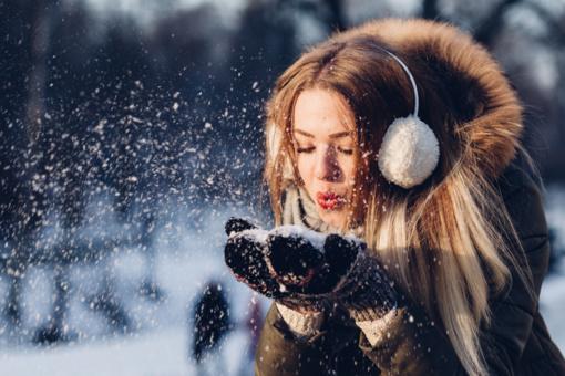 Svarbiausi patarimai: odos ir plaukų priežiūra žiemą