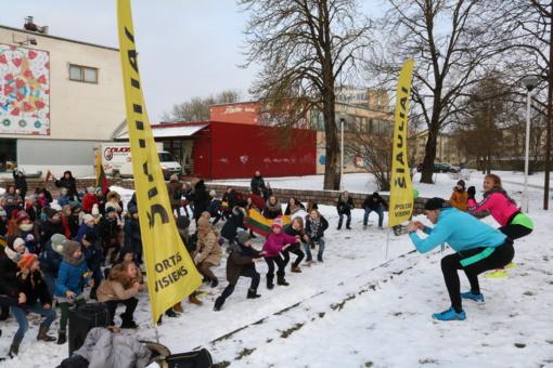 Šimtmečiui paminėti – 100 pritūpimų Lietuvai (FOTO)