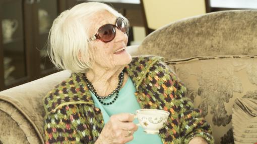Šimtametė Elena stebina gyvenimo džiaugsmu ir kitiems pataria, kaip su energija sulaukti 100 metų