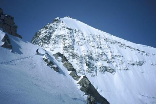 Kirgizijoje rastas nuo uolos nukritusio alpinisto S. Saikausko kūnas
