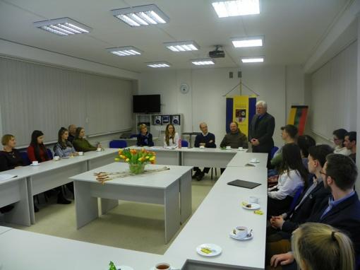 Šiaulių universiteto gimnazijoje vyko apskritojo stalo diskusija