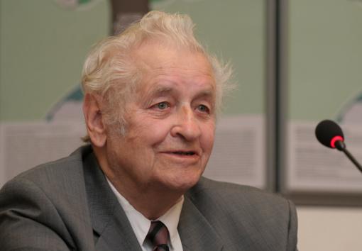 Mirė akademikas, buvęs švietimo ir mokslo ministras prof. Z. Zinkevičius