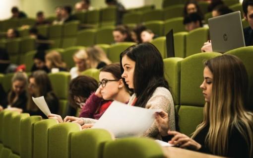 Nustatyta minimali kartelė stojant į universitetus
