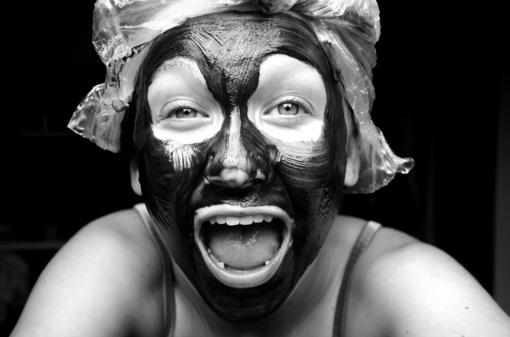 Nulupamų veido kaukių mada: naudinga, tik naudojant jas tinkamai