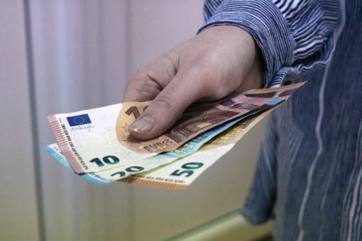 Iš jaunos lazdijietės išviliota 3 500 eurų