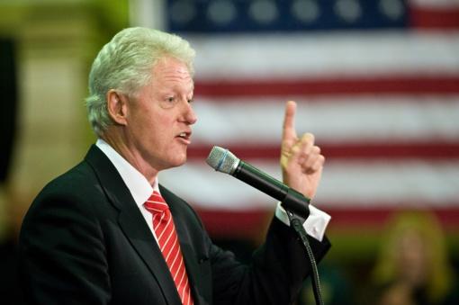 """Buvęs JAV prezidentas Clintonas """"piktnaudžiavo valdžia"""", rašo Lewinsky"""