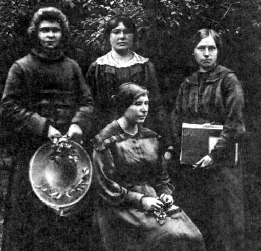 Iš namų į Seimą: ką pasiekė moterys Steigiamajame Seime?