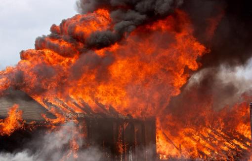 Kazlų Rūdoje degė pastatas