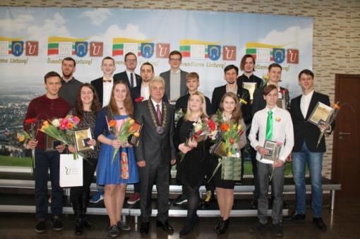 Jaunystės ir pavasario šventei – apdovanojimai visuomeniškiems, aktyviems ir iniciatyviems jaunimo atstovams