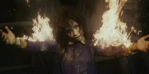Lietuvės gyvenimą lydi paranormalūs įvykiai: nujaučia kitų mirtį, pykčiu iššaukė gaisrą