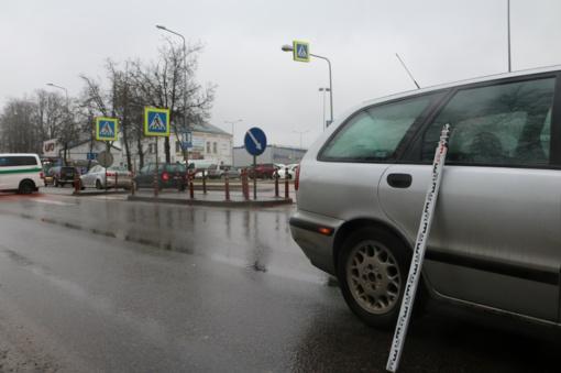 Šiauliuose ant pėsčiųjų perėjos parblokštas žmogus (FOTO ir vaizdo įrašas)