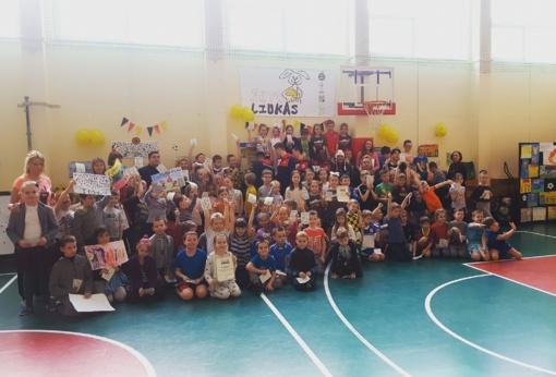"""Kauno """"Stumbras"""" futbolo magija dalinosi su pačiais mažiausiais"""