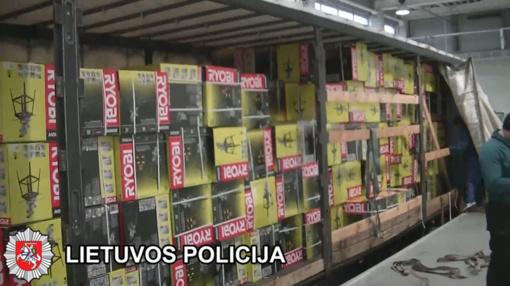 Prieš teismą stos su didelės vertės užsienyje vogtais daiktais sulaikyti lietuviai