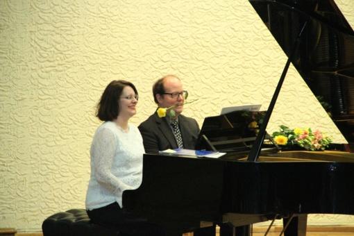 Šiauliuose nuskambėjo fortepijoninių duetų festivalis