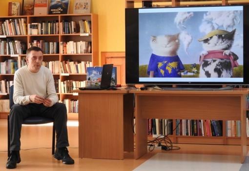 Ignalinos bibliotekoje sutiktas pasaulyje garsus dailininkas kraštietis (FOTO)