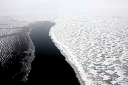 Jūrų gelbėjimo koordinavimo centras įspėja – lipti ant Kuršių marių ledo pavojinga