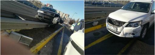 Išvažiavus iš žiedo susidūrė du automobiliai