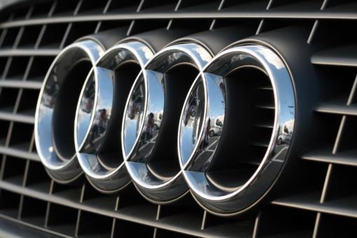 Audi vairuotojas nesuvaldė automobilio ir nulėkė nuo kelio