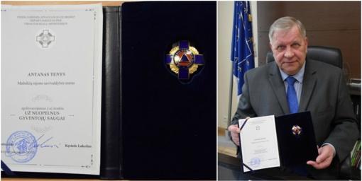 """Mažeikių meras apdovanotas ženklu """"Už nuopelnus gyventojų saugai"""""""