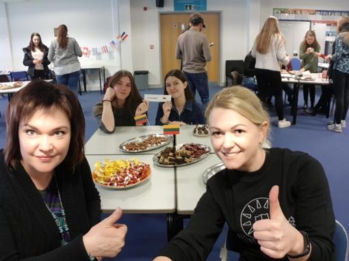 """,,ROMUVOS"""" gimnazistai - Erasmus+ projekto S.H.A.R.E mokymuose Anglijoje"""