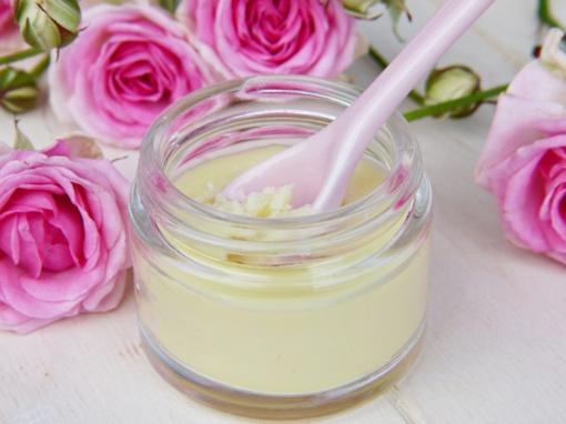 Kosmetika su parabenais nebūtinai kenksminga, o ekologiška - ne visada tinkama