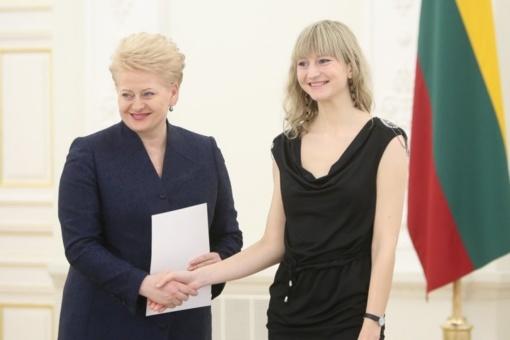 Telšiškė Rūta Norkutė – vėl Nacionalinio diktanto finale