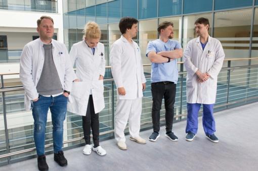 Pokalbis su muzikanto ir vaikų chirurgo karjerą derinančiu Laurynu Šarkinu: nuo batų prie patarimų tėvams